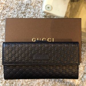 Authentic Gucci Wallet with box